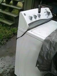 white top-load clothes washer Corpus Christi, 78415