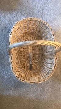 brown wicker basket Los Angeles, 90029