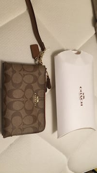 Authentic new coach wristlet Burnaby, V5G 1R4