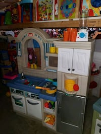 Kids kitchen @ clic klak used toy warehouse mississauga