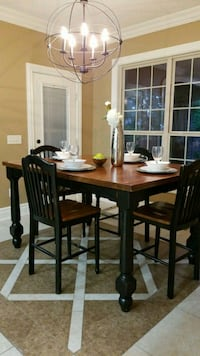 Dining Table (high top) Bentonville, 72712