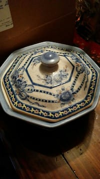 Chinese serving bowl