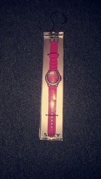 ☆ PINK SUZY WATCH $5 ☆ St. Catharines, L2P 3R6