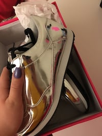 women's shoes  Anmore, V3H