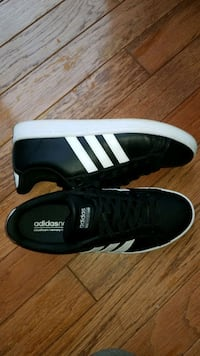 Women's Adidas Shoes Size 11