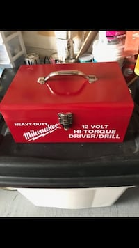 Solid metal made tool box. Great condition  Brampton, L7A