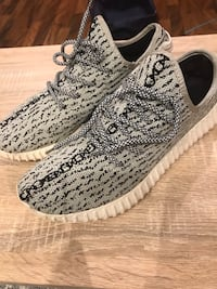 pair of gray not real Adidas Yeezy Boost 350 Mililani, 96789