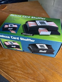 Deluxe card shuffler, battery operated Toronto, M6M