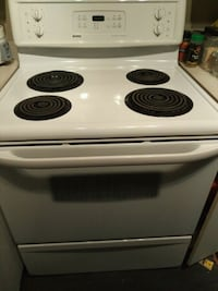 Kenmore Self Cleaning Oven amazing condition!  Burlington, L7M