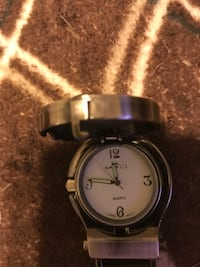 round silver-colored analog watch with link bracelet Castro Valley, 94546