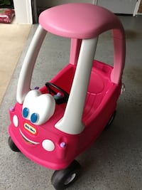 Pink and white little tikes cozy coupe Woodbridge, 22192