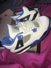 White-and-blue air jordan 4 shoes New York, 11415