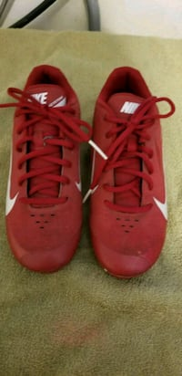 pair of red Nike basketball shoes Fountain Valley, 92708