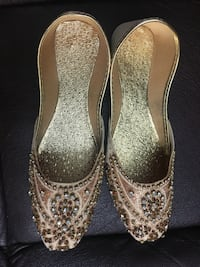 Pair of silver-colored glittered peep-toe pumps Mississauga, L5L