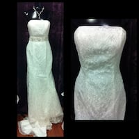 Lace wedding dress  Midland, L4R 3M5