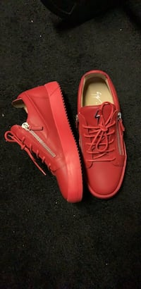 giuseppe size 9 all red low tops Chicago, 60617