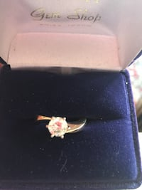 gold-colored ring with case Boise, 83713