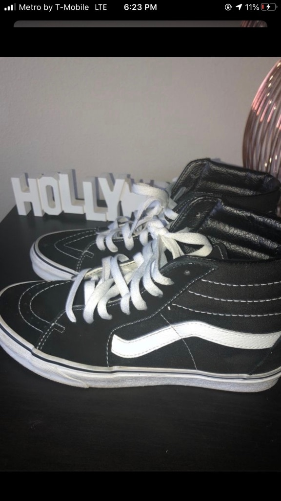 Photo Black and white high top vans