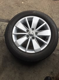 see of 4 tires and rims all season good condition  Brampton, L6R 3M6