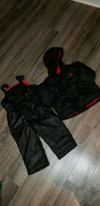 Old Navy Winter jacket  Pointe-Claire, H9R 4E1