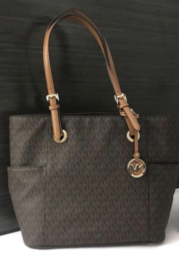 e743438ba836 Used Michael Kors MK Jet Set Tote Bag for sale in Barrie - letgo