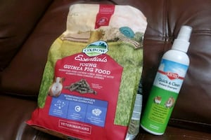Pet food / shampoo