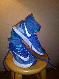 pair of blue-and-white Nike high-top sneakers Los Altos Hills, 94022