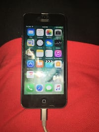 iPhone 5 locked to rogers Bowmanville, L1C 3K7