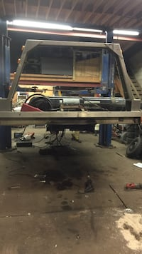 gray and black table saw