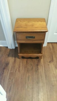 All wood Oak chest (Sevierville ) Sevierville, 37862
