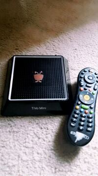 2 tivo boxs and a modem and remotes with all con St. Catharines, L2M 4G1