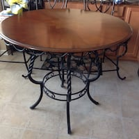Plentywood Table Top and Base including 4 chairs Kitchen Table Like New Clarksburg, 20871