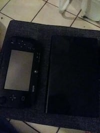 Wii U console and Pad Long Beach, 90806