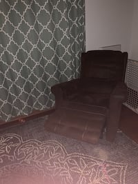 Brown microfiber recliner / glider Fort Washington, 20744