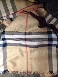 Burberry scarf SELLING CHEAP Toronto