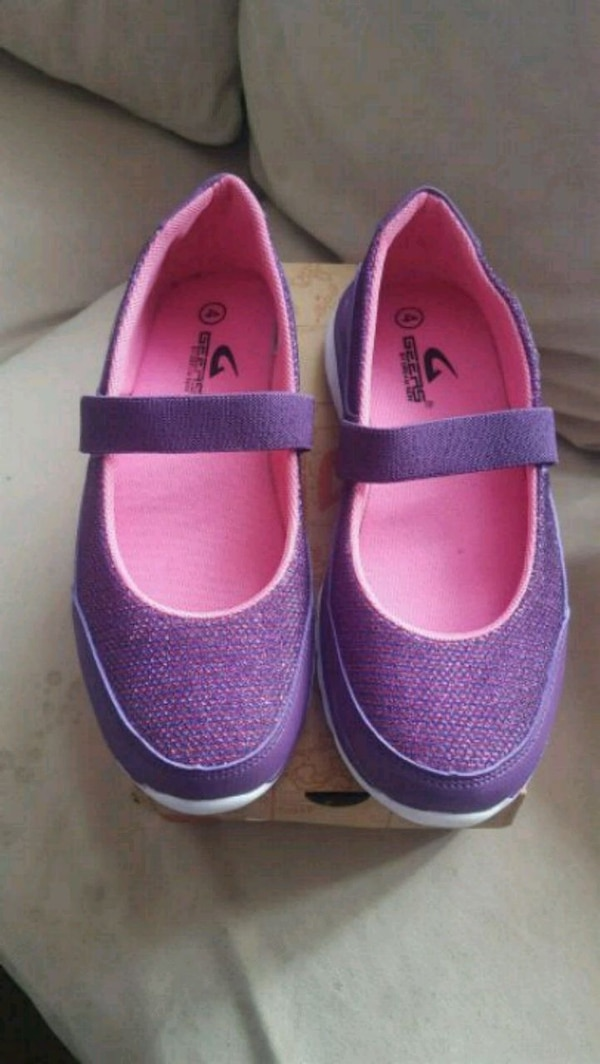 New in a box Size: big kid 4 shoes