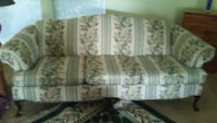 French provincial couch,matching loveseat Lake Dallas, 75065