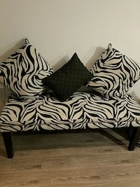 living room bench , 3 cushion , 2 small sit chair Vienna, 22182