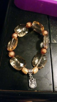 brown bead bracelet  Essex, 21221