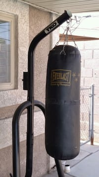 black and gray Everlast heavy bag Las Vegas, 89108