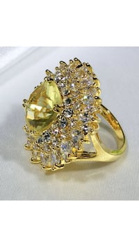 18k Gold Filled Large Beautiful Ring Size 7