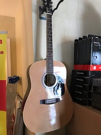 Maestro by Gibson acoustic guitar Waterloo, N2K 4H2