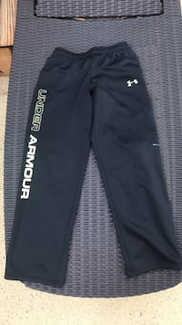 Under armore sweat pants Size youth large Griffin, 30224