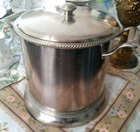 stainless steel and black cooking pot Richmond Hill, L4C 3C2