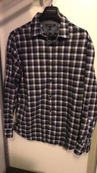 Banana Rep Men's dress shirt size L Sudbury, P3E 0A1
