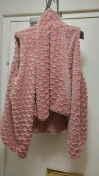 pink and white floral long-sleeved dress St. Catharines, L2P 2Y1