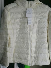 Puffer jacket. New with tag. Size L Toronto, M8Y 4E1