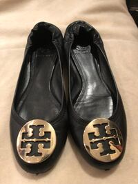 Tory Burch black leather ballerina flats sz 8/8.5 Burnaby, V5G 3X4
