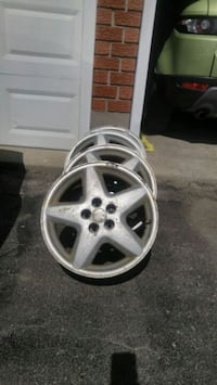 gray 5-spoke car wheel Guelph, N1K 1J6