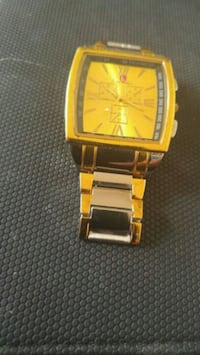 square gold analog watch with gold link bracelet Beauharnois, J6N 2B9